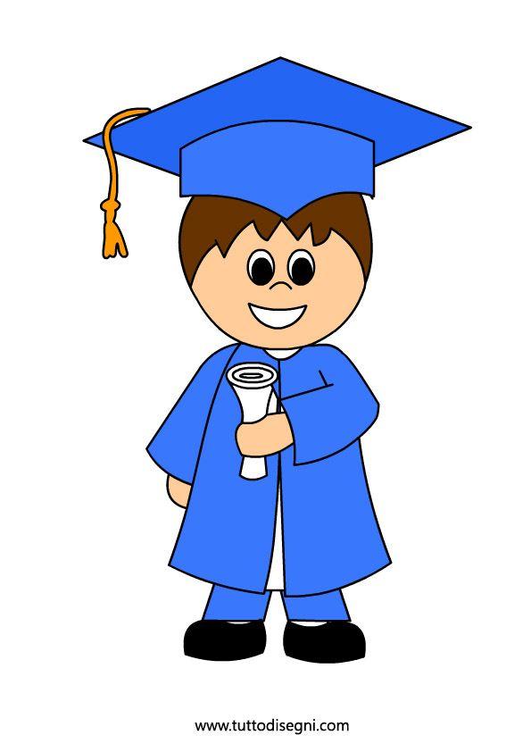 bambino con diploma